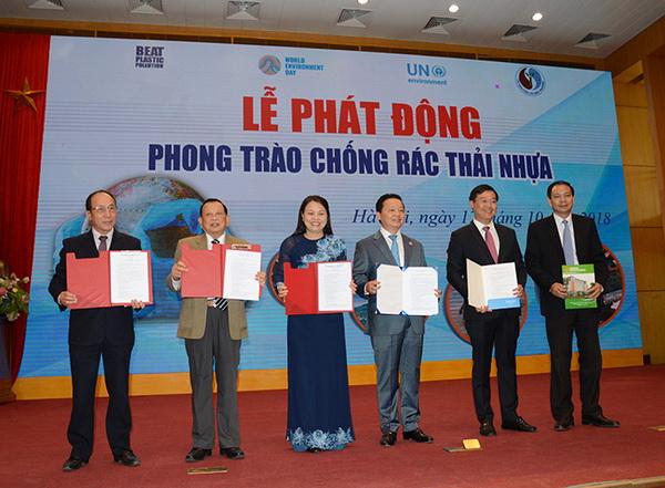 ky-ket chong rac thai nhua1